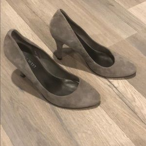 Nine West grey suede heels shoes